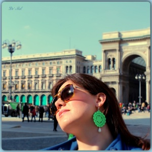 Medium fluo green Venetian lace earrings with white agate and silver hardware
