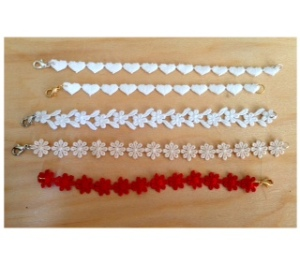De' Mel bracelets in Venetian lace (heart shape, white flower, beige flower and red flower)